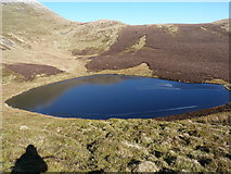SJ0731 : Llyn Lluncaws from above by Richard Law