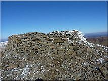 SJ0732 : Bronze Age cairn on Cadair Berwyn by Richard Law