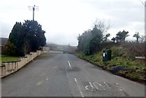 J2533 : Kinghill Road at its junction with the A25 by Eric Jones