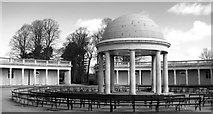 TG2007 : Bandstand and rotunda in Eaton Park by Evelyn Simak