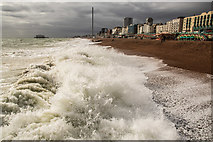 TQ3103 : Heavy waves at Brighton Beach by Oliver Mills