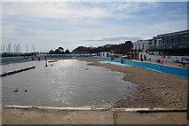 SZ3394 : Lymington : Lymington Seawater Baths by Lewis Clarke