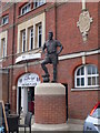 TQ2376 : Statue of Johnny Haynes at Craven Cottage by Eirian Evans