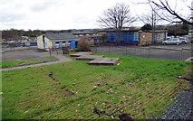 NS4371 : Bishopton Primary School by Thomas Nugent