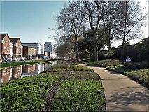 TL0506 : Hemel Hempstead:  River Gade and Water Gardens by Chris Brown
