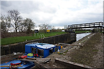SE3118 : Thornes Flood Lock, Calder & Hebble Navigation by Ian S