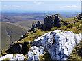 SH8624 : Contrasting rocks near summit of Aran Benllyn by Andrew Hill