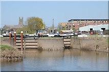 SO8453 : Locks at Diglis by Philip Halling