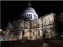 TQ3281 : St Paul's Cathedral by Rudi Winter