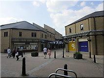 SE0925 : Woolshops Shopping Centre, Halifax by Jonathan Thacker