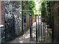 TG2308 : Gate on Horsefair Loke by Evelyn Simak