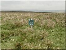 SK1491 : Peak & Northern Footpath Society sign #516 by Graham Hogg