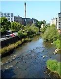 NS5666 : Low water, River Kelvin by Richard Sutcliffe