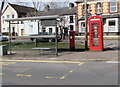 ST3390 : Goldcroft Common bus stop and shelter, Caerleon by Jaggery
