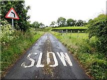 H5572 : Slow marking along Roeglen Road by Kenneth  Allen