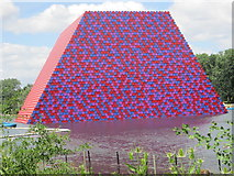 TQ2780 : The London Mastaba on the Serpentine by Peter S