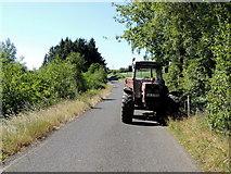 H5375 : Tractor, Fernagh by Kenneth  Allen