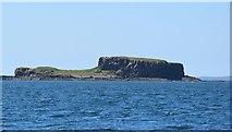 NM3144 : Cairn na Burgh Beg (Beag) - Eastern tip by Rob Farrow