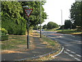 TL0917 : London Road south of Luton by M J Richardson