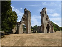 ST5038 : Remains of Glastonbury Abbey by Oliver Dixon