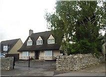 SO8609 : House on Cheltenham Road, Painswick by David Howard