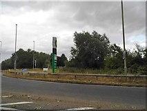 SU6191 : Henley Road, Benson by David Howard