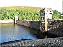 SK1789 : Derwent Dam, Derwent Reservoir, Upper Derwent Valley by G Laird