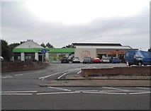 TQ1630 : The Co-op on Guildford Road, Horsham by David Howard