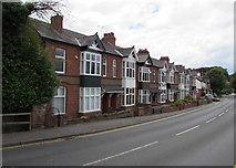 SP2871 : Borrowell Terrace houses, Kenilworth by Jaggery