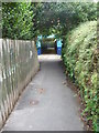 SU6705 : Footpath and pedestrian underpass by Chris Gunns