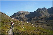 NG9360 : Spur path descending to Coire Dubh Mòr by Julian Paren