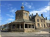NZ0516 : The Octagonal Market Cross in Barnard Castle by Jennifer Petrie