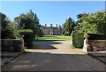 TR0653 : Chilham Castle, Kent by pam fray
