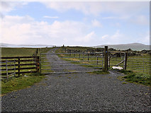 HU3630 : Gate across the Track to the Beach by David Dixon
