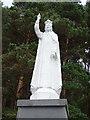 R8830 : Statue of Christ by Matthew Chadwick