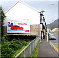 SS9795 : Keeps Calm - Carries On, Ystrad Road, Pentre by Jaggery