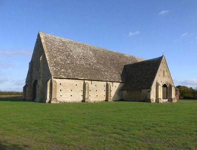 SU2694 : Great Coxwell: the Tithe Barn by Stefan Czapski