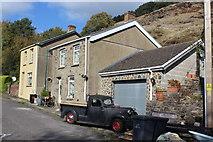 SO1506 : Houses at Troedrhiwgwair by M J Roscoe