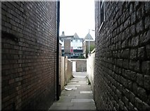 TG5207 : Great Yarmouth's Rows - Row 101 (Reynold's Row) by Evelyn Simak