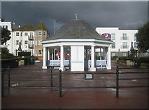 TM1714 : Clacton-on-Sea: Seafront shelter near Penfold Road by Nigel Cox