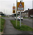 SS8880 : Two bilingual warning signs, Bright Hill, Bridgend by Jaggery