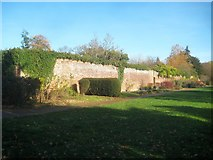 TQ1891 : Canons Park: King George V Memorial Gardens Wall (2) by Nigel Cox