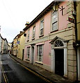 SO0428 : Pink building in Lion Street, Brecon by Jaggery