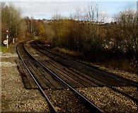 ST1494 : 40mph speed limit north of Ystrad Mynach railway station by Jaggery