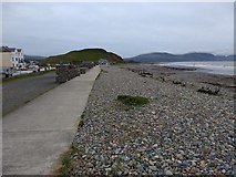 SH4356 : The sea front at Dinas Dinlle by David Medcalf