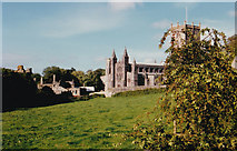 SM7525 : St David's Cathedral by Malcolm Neal