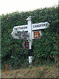 SX7087 : Old Direction Sign - Signpost by Meldon Road in Chagford by Milestone Society