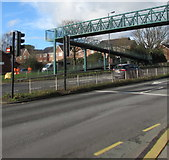 ST3091 : Small No Entry sign on traffic lights, Malpas Road, Newport by Jaggery