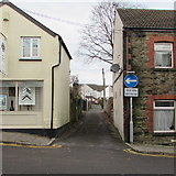 ST1586 : One way/Unffordd direction sign, White Street, Caerphilly by Jaggery