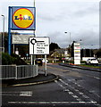 SS8984 : Lidl name sign alongside Ffordd Antwn, Tondu by Jaggery